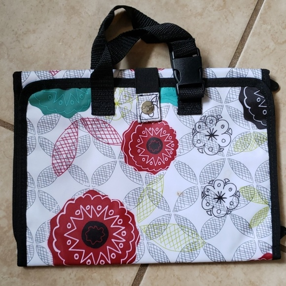 thirty-one Handbags - Organic Poppy Beauty Bag